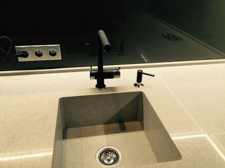 Кухонный смеситель Omoikiri Nagano-BL 4994047 (черный)